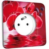 Prise décorée Fleurs Rouges Fond Rouge